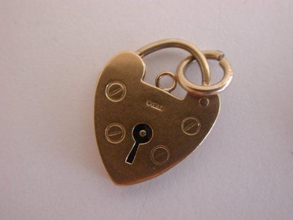 Choice-of-Superb-9ct-amp-22ct-Gold-Vintage-Charms-Animals-Music-Coin-Locket