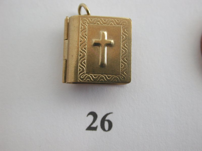 A-Choice-of-Pretty-and-Interesting-Rare-Unusual-Vintage-9ct-Gold-Charms